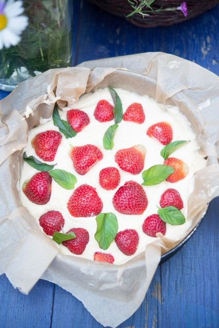 Ciasto z truskawkami i mi�t�