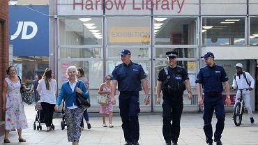 Po zabójstwie motywowanym nienawiścią zabójstwie Arkadiusza Jóźwika polscy policjanci wspólnie z brytyjskimi patrolowali okolice Harlow (północny Londyn)