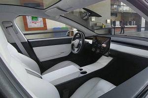 Tesla Model 3 | Pierwsze zdjęcie wnętrza!