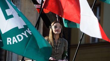 Justyna H., szefowa dolnośląskiego ONR, na marszu w obronie chrześcijańskiego dziedzictwa Europy we Wrocławiu, kwiecień 2016