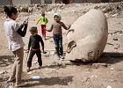 Jeśli to posąg Ramzesa II, to mamy nie lada odkrycie. W błocie na przedmieściach Kairu