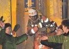 Czterech chi�skich g�rnik�w uratowanych po 36 dniach przebywania pod ziemi�