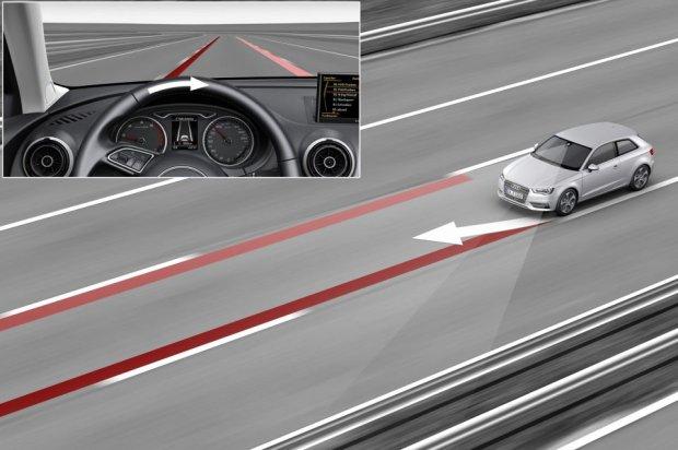 Asystent utrzymania ruchu może uchronić nas przed groźnym wypadkiem (fot. Audi)