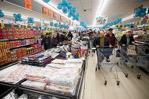 """Niedziele będą handlowe. Jak PiS wybija zęby projektowi """"Solidarności"""" zakazu handlu w niedziele"""
