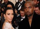 """Kim Kardashian bez majtek to �adna nowo��. Tak samo jak TA SUKNIA. """"Za�o�y�a star� kreacj� Beyonce?"""" Za to nie byle jak�"""