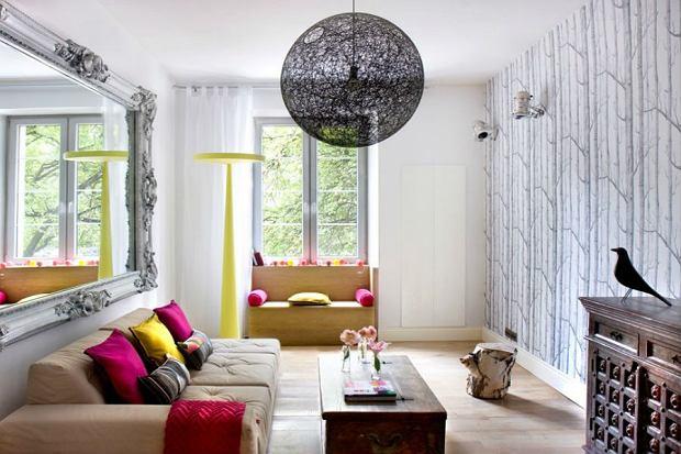 Kolorowe dodatki do mieszkania - jak ożywić wnętrze?