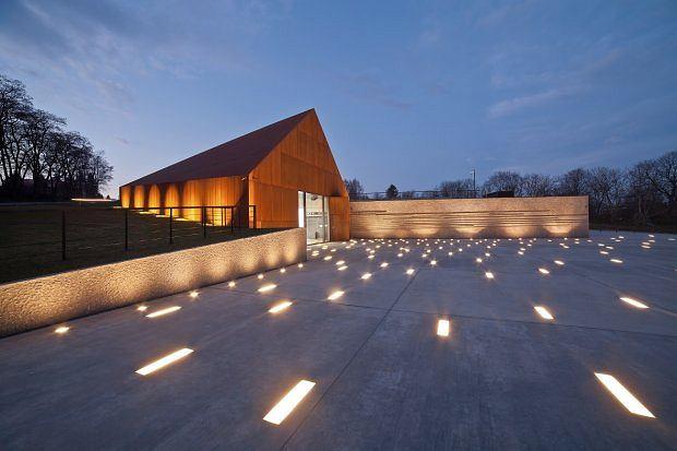 Muzeum Polakow ratujacych Żydow podczas II wojny w Markowej / Nizio Design International