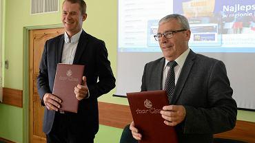Podpisanie umowy przez iQor Global Services o Zespół Szkół Elektronicznych w Bydgoszczy