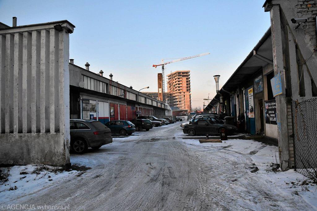 Hala przy Burakowskiej 14, gdzie w drugiej połowie stycznia zacznie działać zimowy targ kulinarny Towarzystwo Burakowska 14 / FRANCISZEK MAZUR