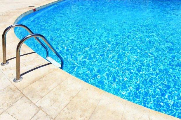Na basenach boj� si� �uszczycy