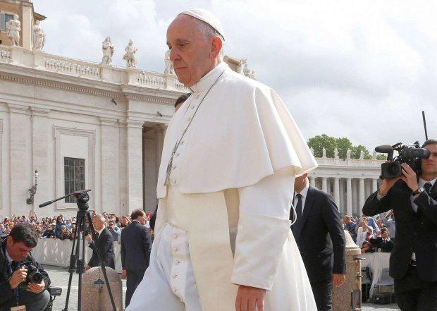 Kolejny krok Franciszka w walce z pedofilią w Kościele: usuwanie biskupów z urzędów