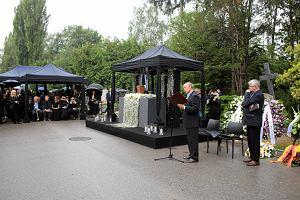 Pogrzeb Janusza Głowackiego w Warszawie. Pisarz spoczął w Alei Zasłużonych na Powązkach