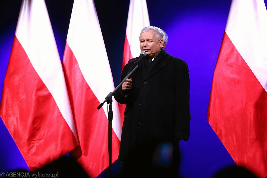 Jarosław Kaczyński podczas przemówienia 13 grudnia