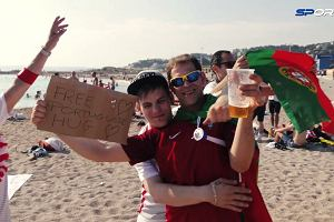 Euro 2016. Polska - Portugalia. Taki widok si� nie zdarza. Polscy i portugalscy kibice si� brataj�