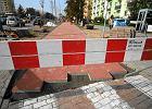 Remontowana ścieżka rowerowa na Broniewskiego będzie się składać z czerwonych płyt