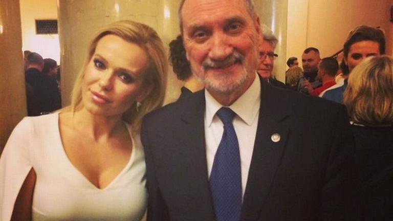 Doda i Antoni Macierewicz na premierze