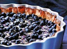 Tarta z białym kremem i jagodami - ugotuj