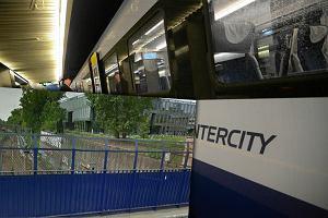 Kobieta śmiertelnie potrącona przez pociąg. Utrudnienia w Warszawie