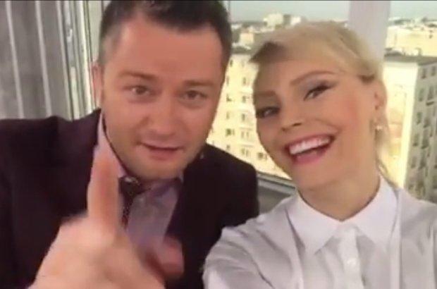 Jaros�aw Ku�niar i Agnieszka Jastrz�bska pok��cili si� na wizji. Teraz t�umacz�