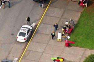 Strzelanina w szkole niedaleko Seattle. 2 osoby, w tym napastnik, nie �yj�. 3 w stanie krytycznym