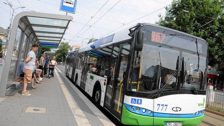 Autobus 807 po godz. 6 musiał zostać ściągnięty do bazy. Ale już kursuje