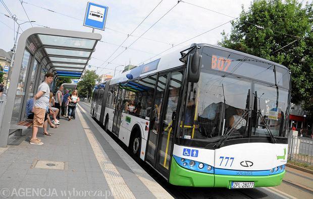 Autobus 807 po godz. 6 musia� zosta� �ci�gni�ty do bazy. Ale ju� kursuje