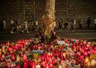 Poszukiwania zamachowca z Barcelony rozszerzono na całą Europę. Jego matka apeluje: Synu, poddaj się!