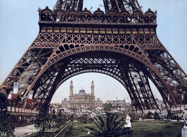 Wieża Eiffla - zdjęcie zrobione między 1890 a 1905 rokiem
