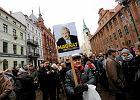 """Demonstracja w Toruniu. """"Kon-sty-tu-cja! De-mo-kra-cja!"""" [ZDJ�CIA]"""