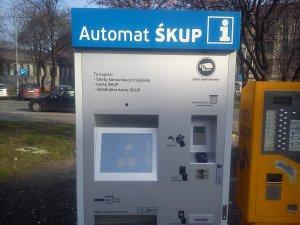 http://bi.gazeta.pl/im/b4/74/ef/z15692980M,Pierwsze-automaty-SKUP.jpg