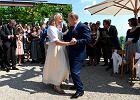 Ślub szefowej MSZ Austrii Karin Kneissl. Władimir Putin tańczy z panną młodą