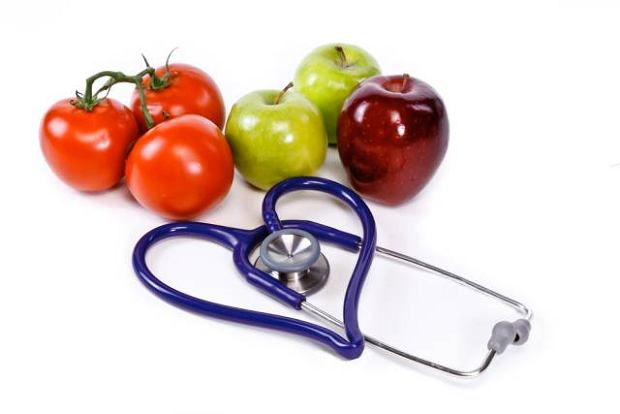 Jak owoc - to jab�ko. Jak warzywo - to pomidor. Polak i �r�d�a witamin