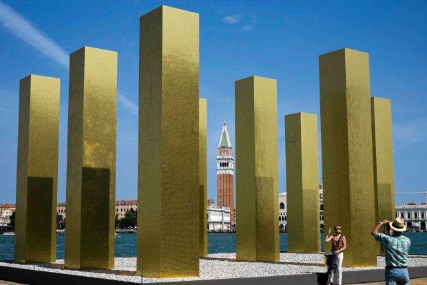 Od klozetu aż po grób. Relacja z fascynującego Biennale Architektury w Wenecji
