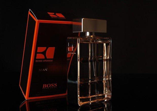 Męskie perfumy reklamowane przez prawdziwe gwiazdy