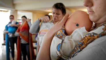 Podczas III Ogólnopolskiej Konferencji 'Cud narodzin ? potencjał rodzącej i położnej' odbyły się m.in warsztaty chustowania