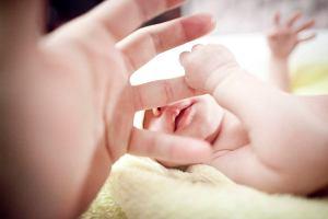 Noworodek znaleziony w papierowej torbie. To zdrowa dziewczynka