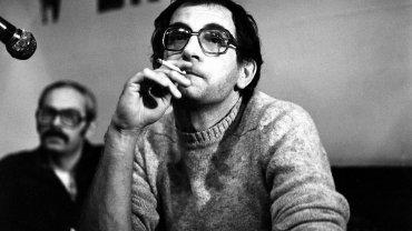 Krzysztof Kieślowski po pokazie 'Amatora', 1979 r. W tle Andrzej Słowicki