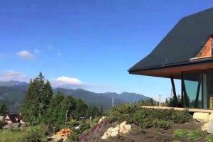 Dom w Tatrach z widokiem na g�ry. Ma w sobie co� z nowoczesno�ci i z g�ralskiej chaty