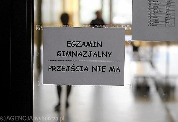 Egzamin gimnazjalny 2013. Egzamin gimnazjalny w szkole im. Hanki Sawickiej w Kielcach.