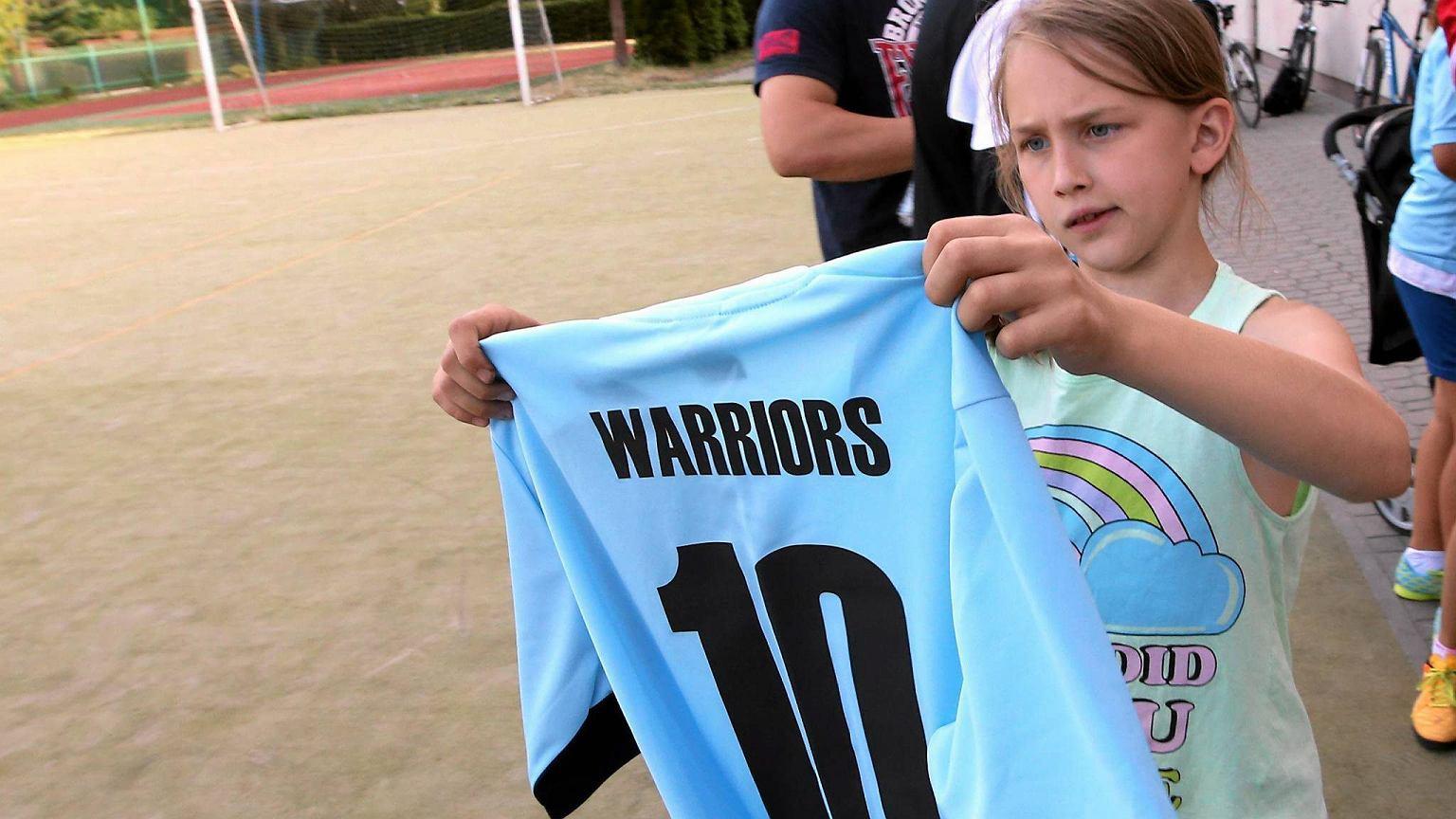 db5e5c0e63ba8 Oto jedyna w Warszawie żeńska drużyna podwórkowa grająca w piłkę nożną