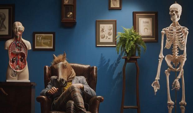 Najpierw mieliśmy się mnożyć jak króliki, teraz wzorem jest człowiek-koń. Nowa kampania Ministerstwa Zdrowia