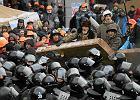 11.12.2013 Ukraina , Kijów . Oddziały milicji i Berkutu