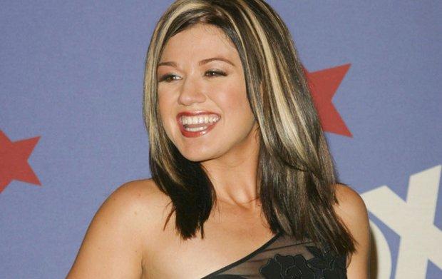 """W 2002 roku wygrała pierwszą amerykańską edycję """"Idola"""" i od tego czasu utrzymuje się w czołówce najbardziej znanych piosenkarek w USA. Ostatnio wydała nową płytę, ale głośno zrobiło się też o jej mocno zaokrąglonej sylwetce - wszystko przez komentarze brytyjskiej dziennikarki."""