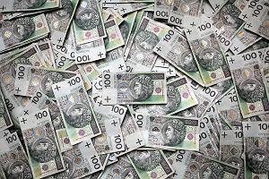 Coś bardzo dziwnego dzieje się z pieniądzem w Polsce. Przy takim tempie wzrostu gospodarczego powinno być go więcej