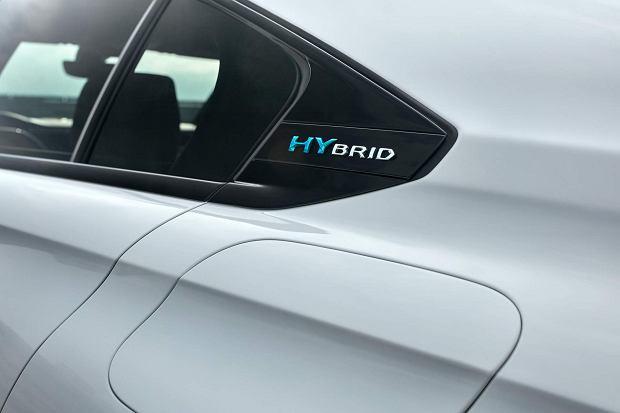 Peugeot 508 Hybrid4 i 3008 Hybrid4