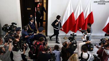 Ambasador Izraela w Polsce Anna Azari po spotkaniu z marszałkiem senatu Stanisławem Karczewskim ws. nowelizacji ustawy o IPN, 31 stycznia 2018.
