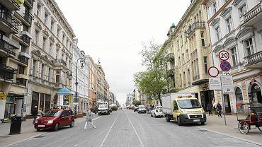 Wybory samorządowe 2018 w Łodzi. Radny PiS krytykuje pomysł zakazu parkowania na chodnikach