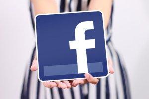 Facebook. 8 postów do sławy