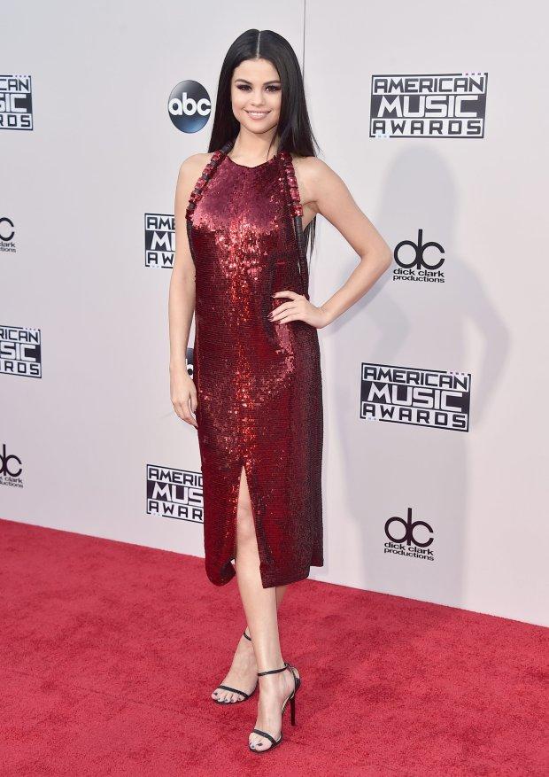 Zdjęcie numer 3 w galerii - Selena Gomez wyglądała CUDOWNIE. Miała powód, bo pojawił się Justin. Najpierw randka, a teraz... O co tu chodzi?!