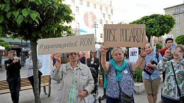Katowice. Akcja solidarnościowa z osobami, które od kilkudziesięciu dni protestują w Sejmie